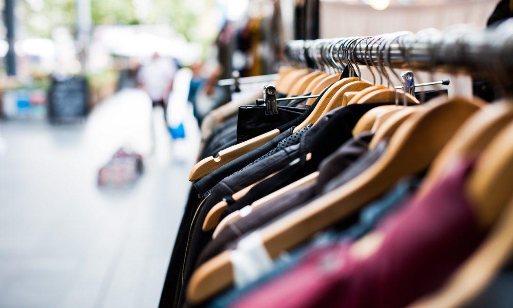 stojaki sklepowe odzież